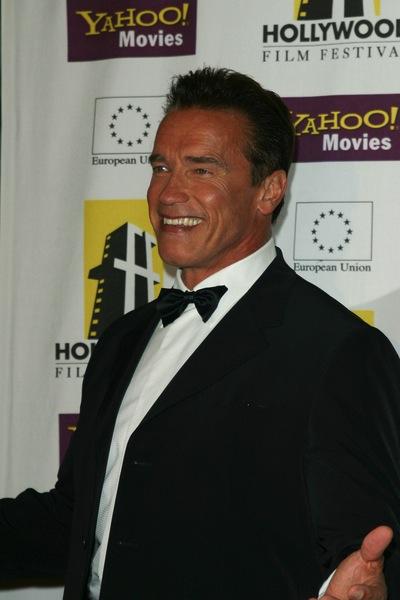Bürstenhaarschnitt - Arnold Schwarzenegger