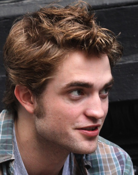 mittellange Frisuren - Robert Pattinson