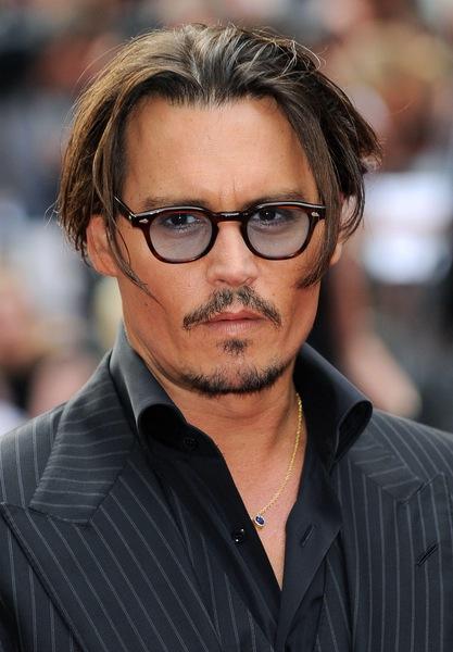 Frisuren Mittellang Wie Johnny Depp Sie Tragt Mannerfrisuren