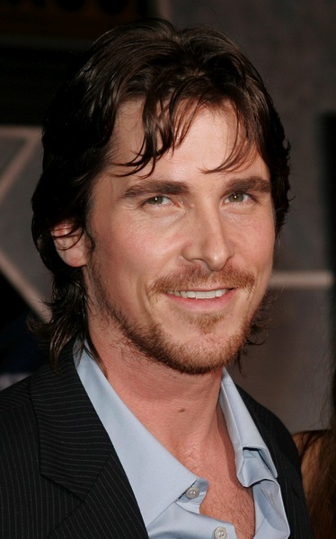 stylische m nnerfrisuren von christian bale m nnerfrisuren. Black Bedroom Furniture Sets. Home Design Ideas